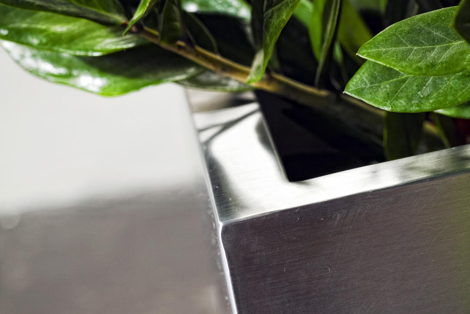 Le Papier Peint Est Il Recyclable planters, flower boxes and outdoor furniture | bloss
